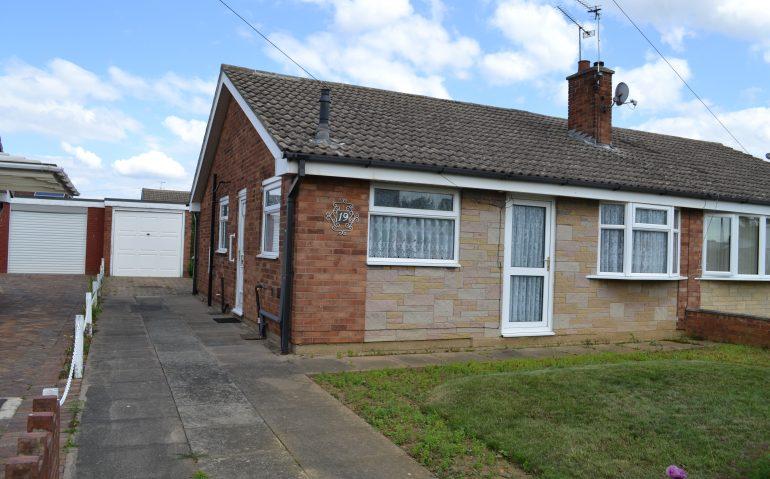 19-Woodfield-Road-Armthorpe-001